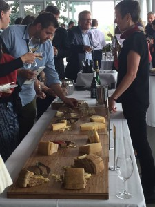 German food and wine expert Ursula Heinzelmann presented a selection of dry Riesling and cheese at the Riesling Rendezvous Olympic Sculpture Garden tasting. IRF